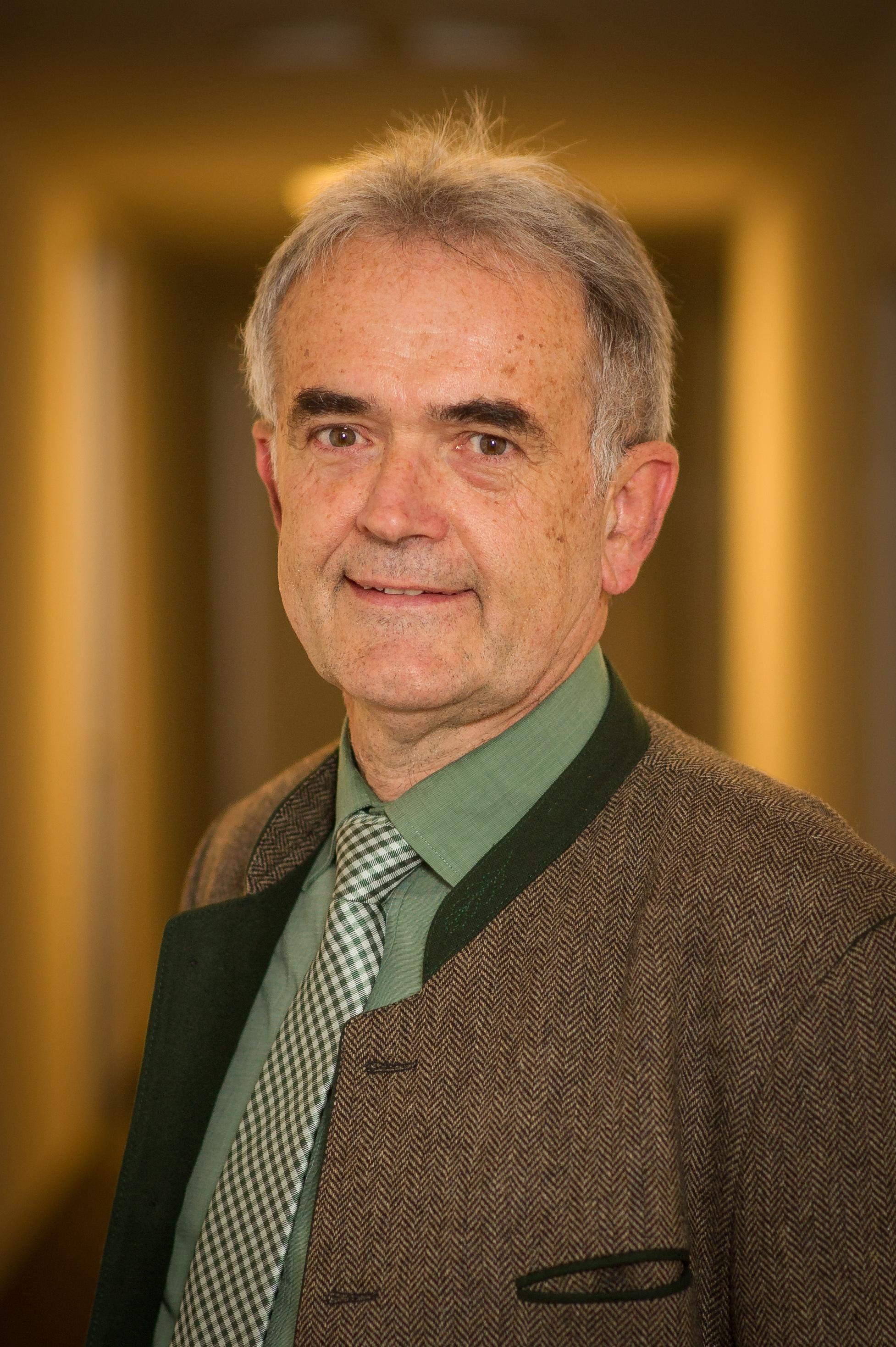 Porträt Foto Josef Schneider