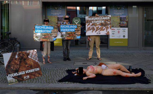 Demonstration von PETA anlässlich des BJT 2019 in Berlin
