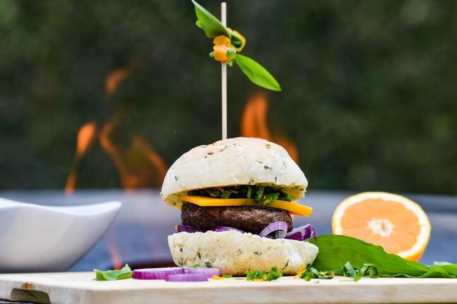 Das Fleisch von Wildschwein, Reh und Hirsch und Co. ist lecker, gesund und obendrein ein nachhaltiges Lebensmittel.