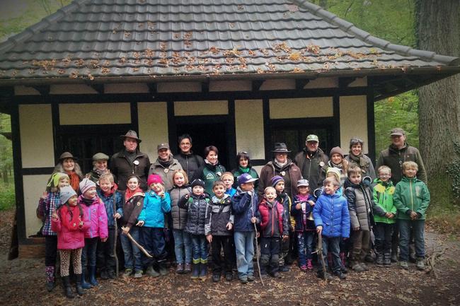 Referenten, Seminarteilnehmer und Kindergruppen der Schule Rust nach einem spannenden Trainingstag