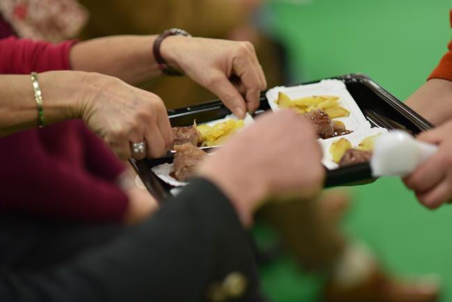 Messebesucher sind versorgt: Täglich gibt es regionales Wildbret vom Gastronom Erich Einecke