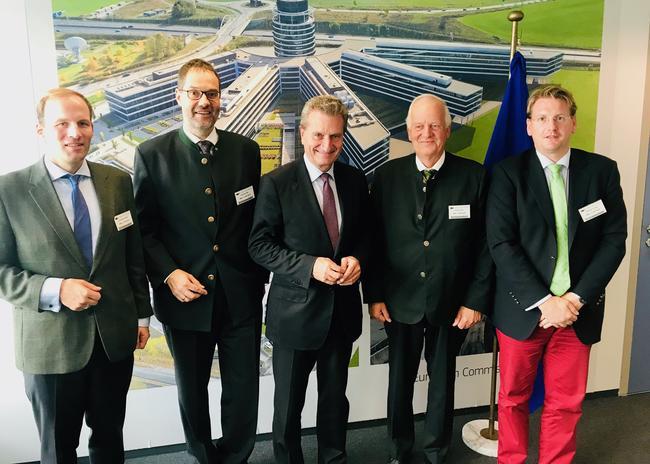 Treffen in Brüssel (v.l.): Von Massow (DJV), Dr. Friedmann (LJV BW), Dr. Böhning (DJV/FACE) und Willnegger (FACE) trafen EU-Kommissar Oettinger in Brüssel