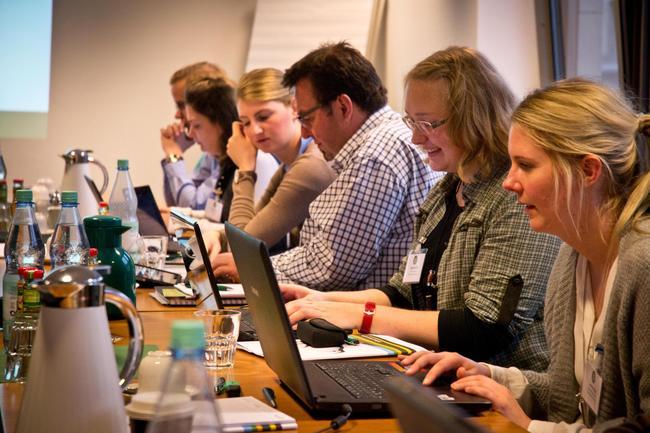 Teilnehmer des Medientrainings in der DJV Geschäftsstelle in Berlin