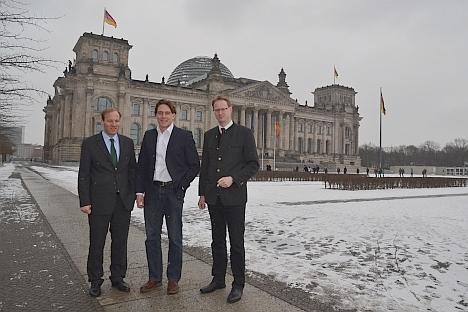 DJV-Justiziar Friedrich von Massow, DJV-Präsidiumsmitglied Dr. Daniel Hoffmann, DJV-Geschäftsführer Andreas Leppmann, Foto (DJV)