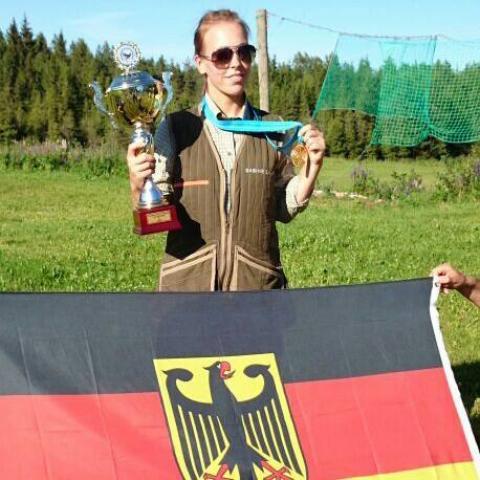 Europameisterin im jagdlichen Schießen 2014: Sabine Sauer (Quelle: Sauer/DJV)