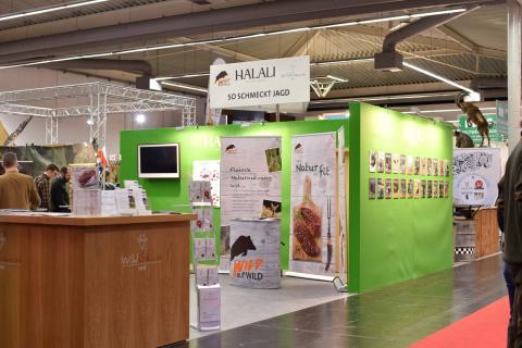 Der Deutsche Jagdverband war mit der Kampagne Wild auf Wild am Halali-Stand vor Ort. (Quelle: Kaphus/DJV)
