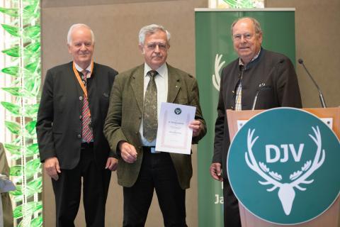 Seit 1991 ist Dr. Bethe ohne Unterbrechung DJV-Vizepräsident und darf sich nun über ein Jagderlebnis freuen. (Quelle: Recklinghausen/DJV)