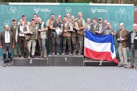 In der Kombination der offenen Klasse siegt die Mannschaft aus Rheinland-Pfalz mit 1345 Punkten. Auf Platz zwei steht Hessens Mannschaft mit 1339 Punkten, gefolgt von Schleswig-Holstein mit 1335 Punkten.  (Quelle: Quante/DJV)