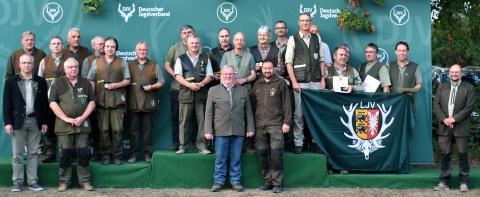 Erster in der Altersklasse/Mannschaft sind die Schützen aus Baden-Württemberg mit 1324 Punkten, gefolgt von Niedersachsen und Schleswig-Holstein.