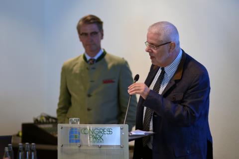 DJV-Präsidiumsmitglied Ralph Müller-Schallenberg (r.; Präsident LJV NRW) leitet den Workshop