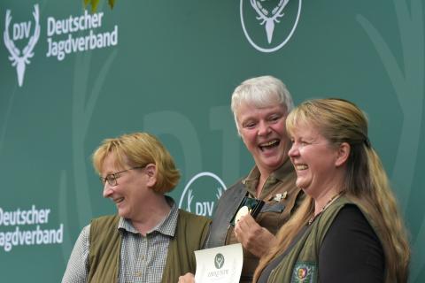 Erstplatzierte in der Damenklasse/Büchse ist mit 195 Punkten Ute Pieper aus Schleswig-Holstein. (Quelle: Kapuhs/DJV)