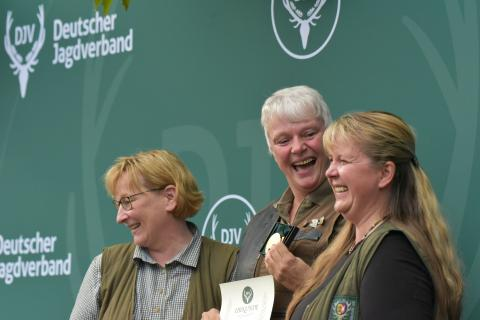 Erstplatzierte in der Damenklasse/Büchse ist mit 195 Punkten Ute Pieper aus Schleswig-Holstein.