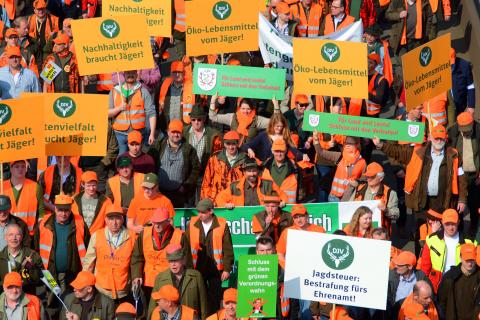 Im März demonstrierten bereits 15.000 Jäger gegen das neue Jagdgesetz in NRW (Quelle: LJV-NRW/F.Martini)