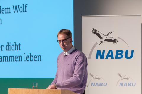 DJV-Geschäftsführer Andreas Leppmann auf der NABU-Wolfskonferenz (Quelle: Bricke/DJV)