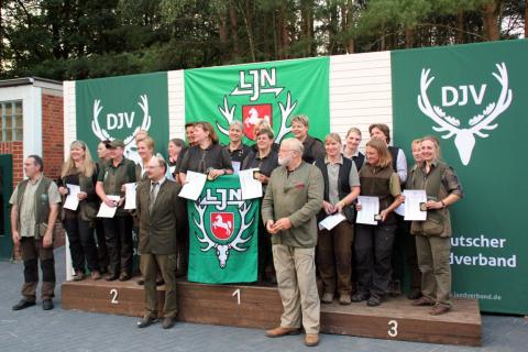 Bundesmeisterschaften Damen Mannschaft: 1. Niedersachsen 1228 Punkte 2. Schleswig-Holstein 1197 Punkte 3. NRW 1149 Punkte (Quelle: Tillmann Möhring)