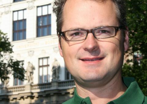 Prof. Dr. Klaus Hackländer