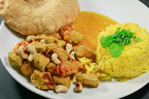 Curry vom Kaninchen mit Safranreis