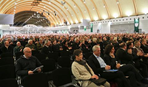 Auch Landtags- und Bundestagsabgeordnete sind erschienen (Quelle: DJV)