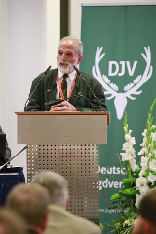 Dr. Gert Dittrich, Präsident des Landesjagdverbandes Sachsen, begrüßt die Teilnehmer aus ganz Deutschland.