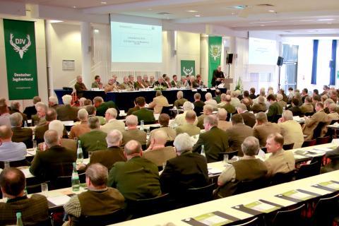 Knapp 350 Delegierte und Gäste nahmen am Bundesjägertag in Radebeul teil.