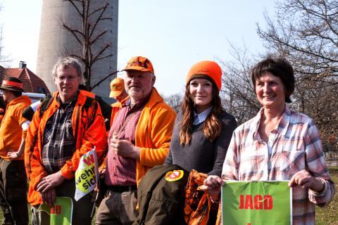 Jägerinnen und Jäger aus mehreren Bundesländern kamen nach Düsseldorf, um für Land und Leute zu demonstrieren. (Quelle: Gillessen/DJV)