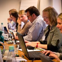 Teilnehmer des Medientrainings in der DJV Geschäftstelle in Berlin
