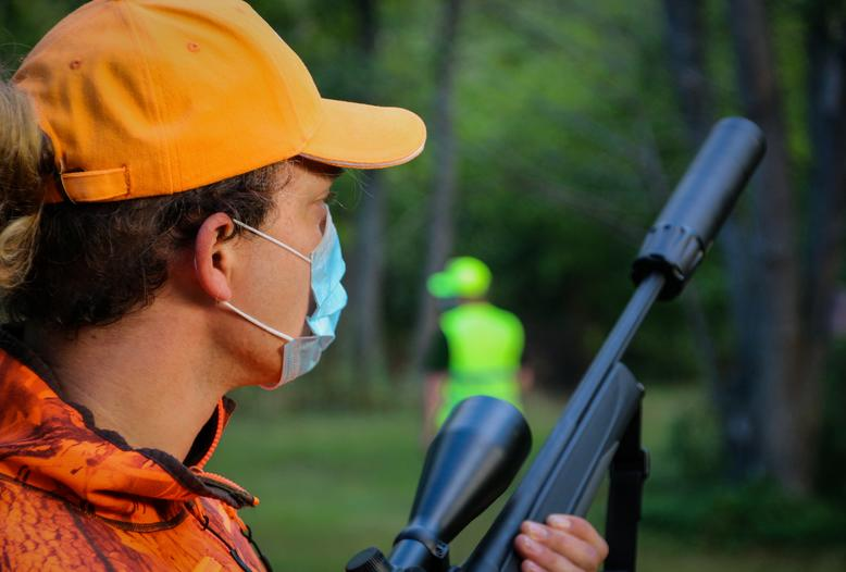 Der DJV fordert alle Landesregierungen auf, trotz der notwendigen Restriktionen, die Durchführung von Jagden weiterhin zu ermöglichen.