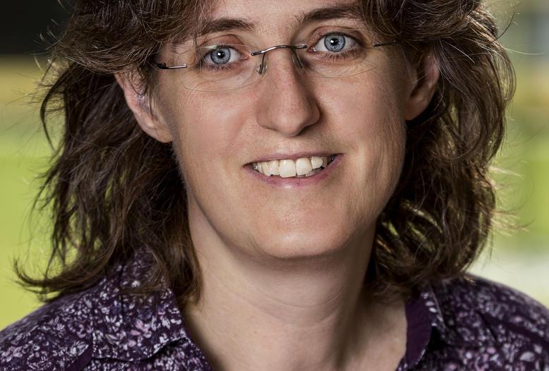 Wissenschaftlerin Dr. Christine Fast leitet das CWD-Projekt am FLI.