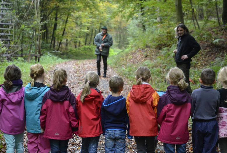 """Anlässlich des """"Tag der Umwelt"""" macht der DJV auf das außerschulische Lernangebot der Aktion Lernort-Natur aufmerksam."""