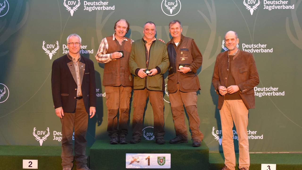 Sieger, Büchse, Altersklasse: 1) Egon Marmit (Rheinland-Pfalz), 2) Dieter Müller (Niedersachsen), 3) Ulrich Groß (Hessen) (Quelle: Kapuhs/DJV)