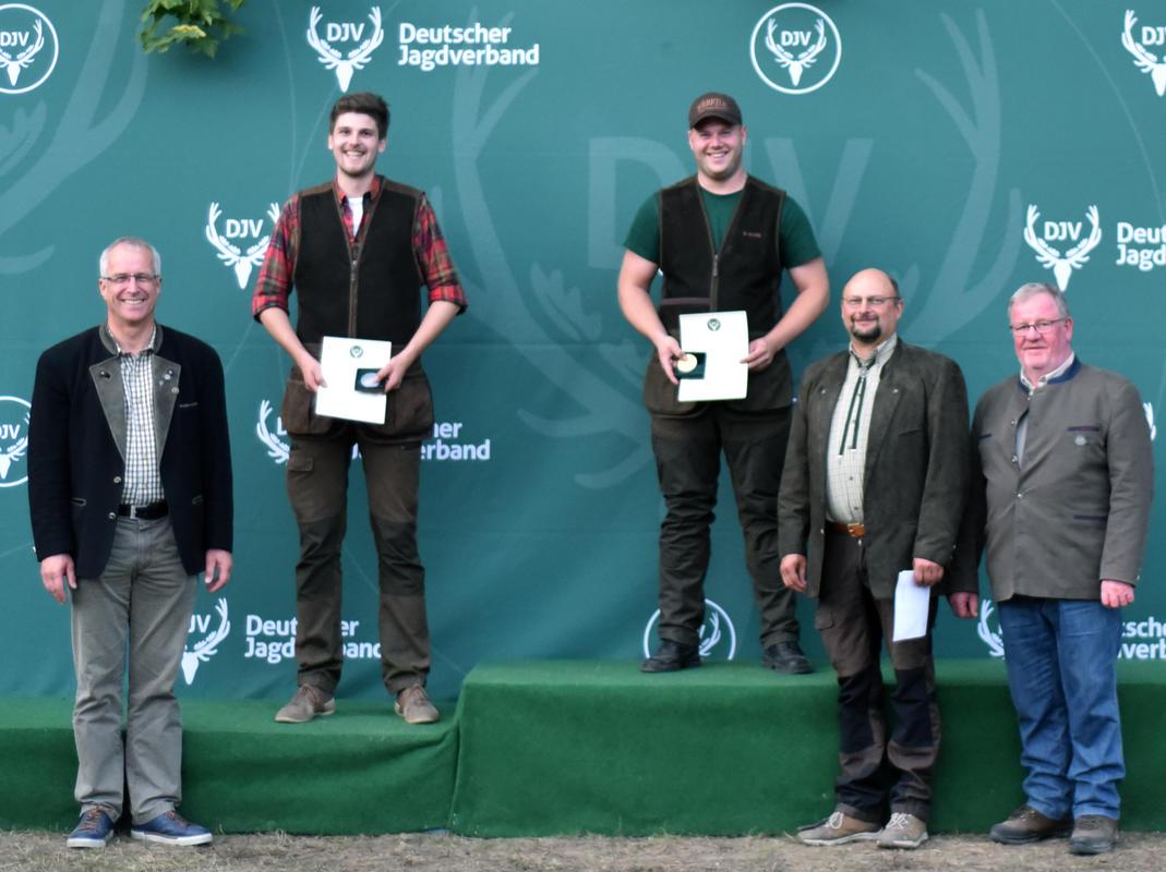 Den ersten Platz in der Juniorenklasse/Büchse belegt mit 196 Punkten Dennis Gajek, gefolgt von Matthias Avenriep aus Niedersachsen. (Quelle: DJV)