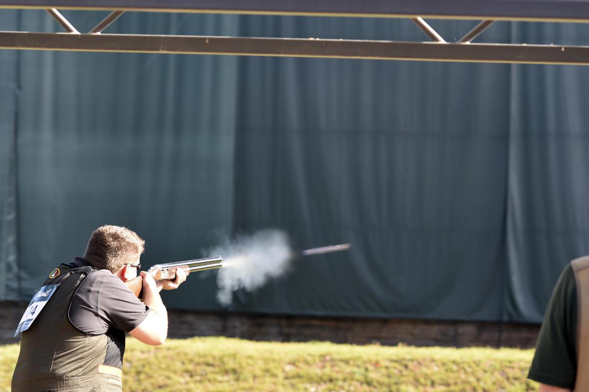 Auf dem Trapstand müssen die Schützen 15 Wurfscheiben beschießen.