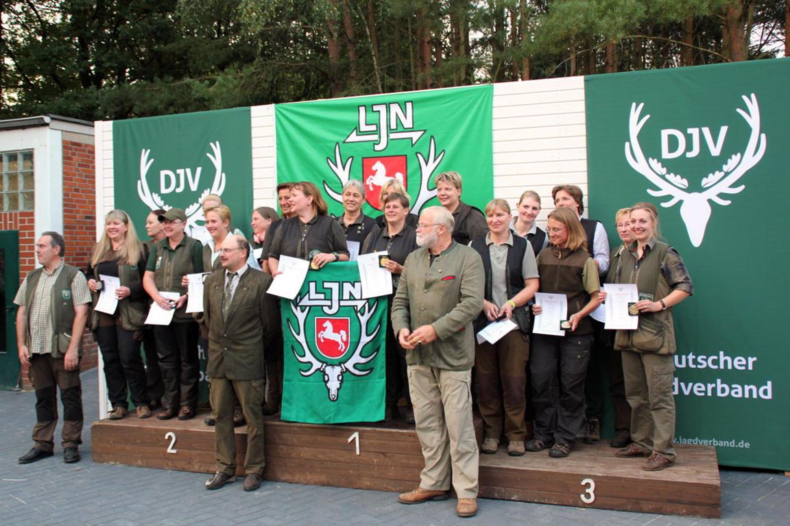 Bundesmeisterschaften Damen Mannschaft: 1. Niedersachsen 1228 Punkte 2. Schleswig-Holstein 1197 Punkte 3. NRW 1149 Punkte (Quelle: DJV)