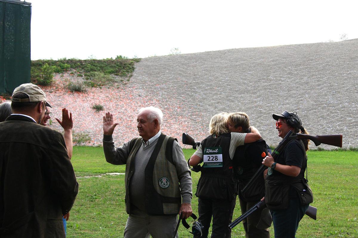 High Five bei den Niedersachsen: Gratulation an Carmen Wilshusen (Quelle: Hunger/DJV)