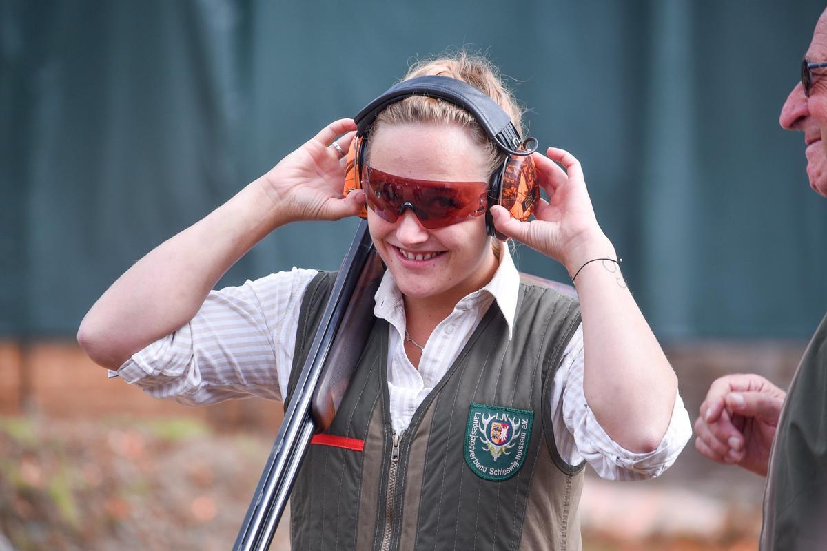 Nadine Weers ist Siegerin in der Klasse Büchse. Sie erreicht 191 von 200 möglichen Punkten. Ihre erste Bundesmeisterschaft schoss sie 2011. (Quelle: DJV)