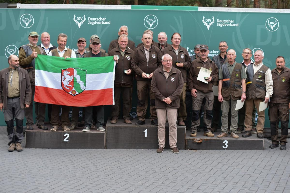 Freude bei der Mannschaftswertung: 1321 stehen für die Gewinnermannschaft aus Niedersachsen zu buche, gefolgt von Nordrhein-Westfalen. Baden-Württemberg komplettiert das Podest. (Quelle: Quante/DJV)