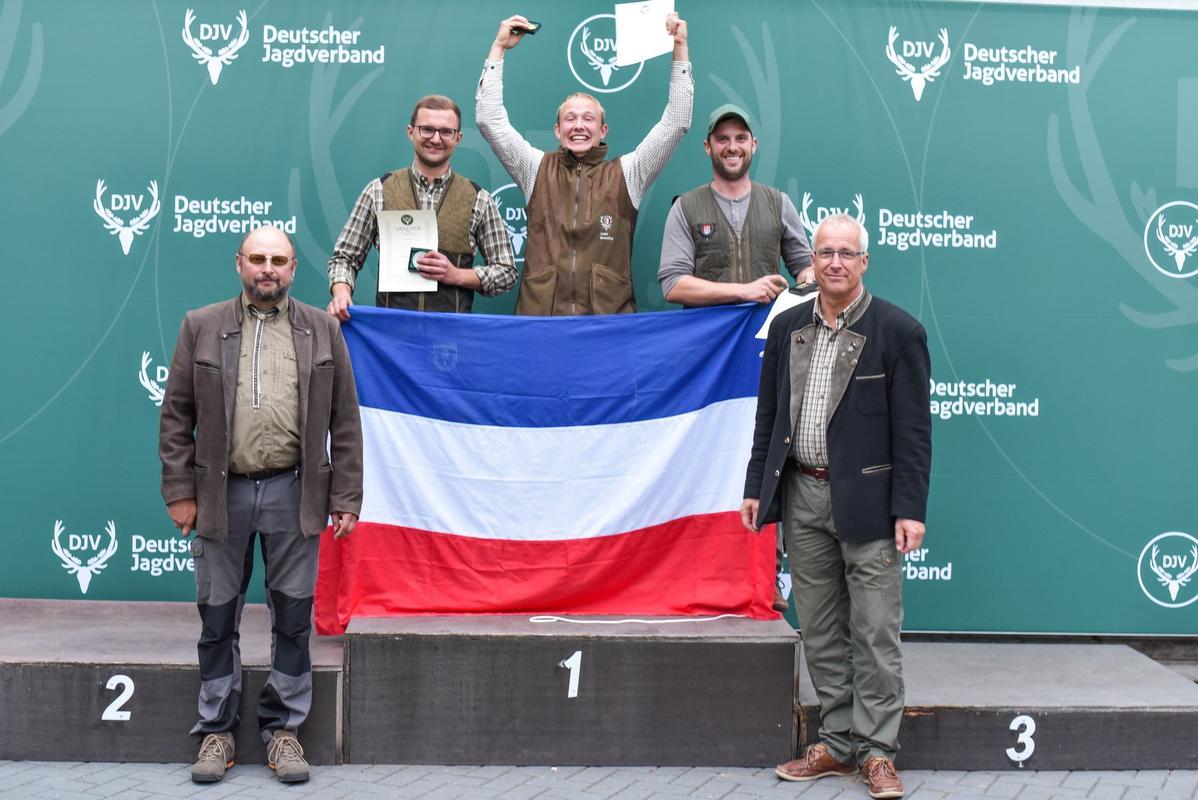 Die Kombination der Juniorenklasse gewinnt Malte Breckling aus Schleswig-Holstein mit 337 Punkten. Mit einem Punkt weniger erreicht Benedict Hirschelmann aus Nordrhein-Westfalen den zweiten Platz. Dicht gefolgt von Christoph von Riegen aus Hamburg. (Quelle: Quante/DJV)