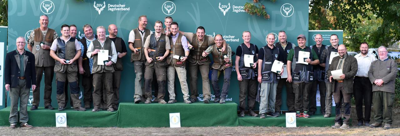 Die Mannschaft aus Rheinland-Pfalz gewinnt mit 1355 Punkten die Mannschaftswertung der Schützenklasse und ist zugleich Bundesmeister aller Mannschaften. (Quelle: DJV)